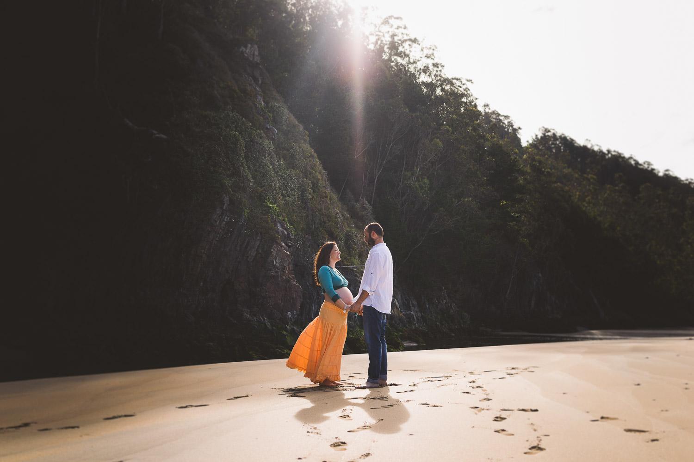 fotos de pareja y embarazo en la playa